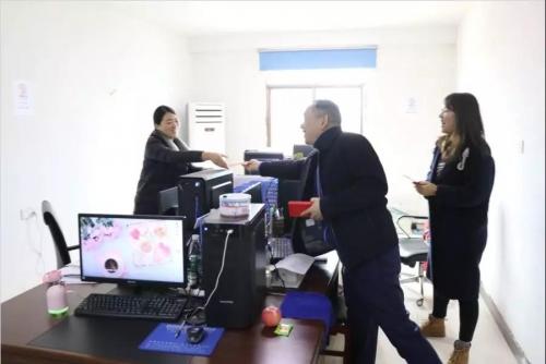 集团董事长周晓华一行节后走访慰问项目部员工