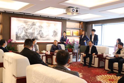 柬埔寨驻沪领事馆大使谢志君一行莅临周坊集团访问交流